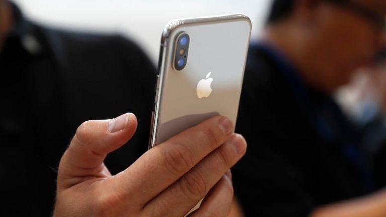 Celular iPhone XS Max color dorado
