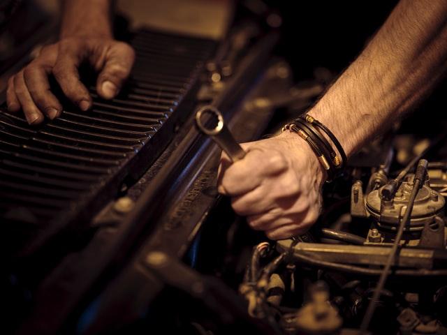 ¿Necesitas seguro de reparación de autos?