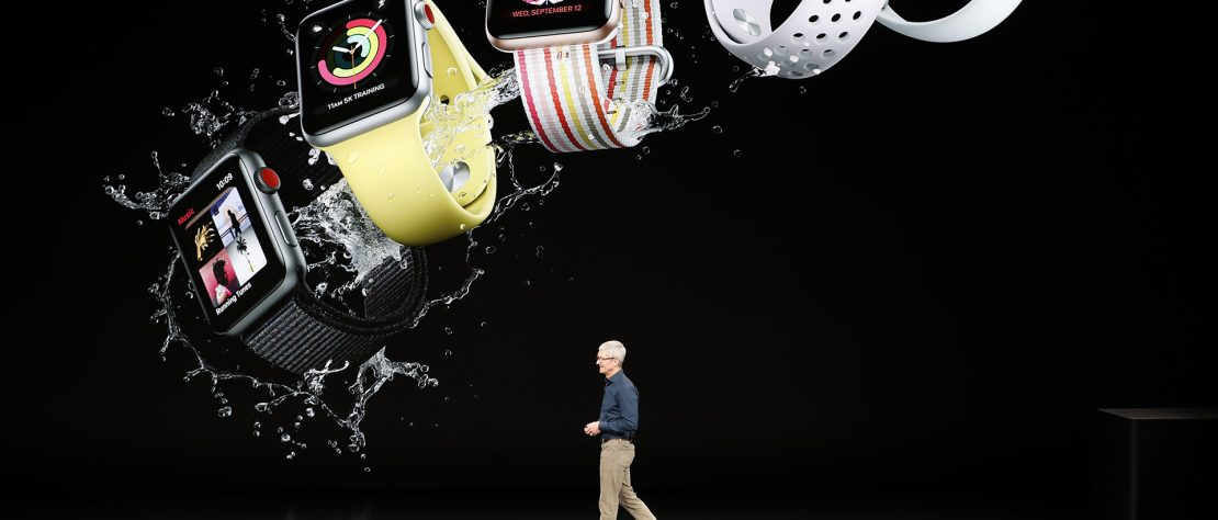 TIm mostrando Smartwatches en el lanzamiento del iPhone XS