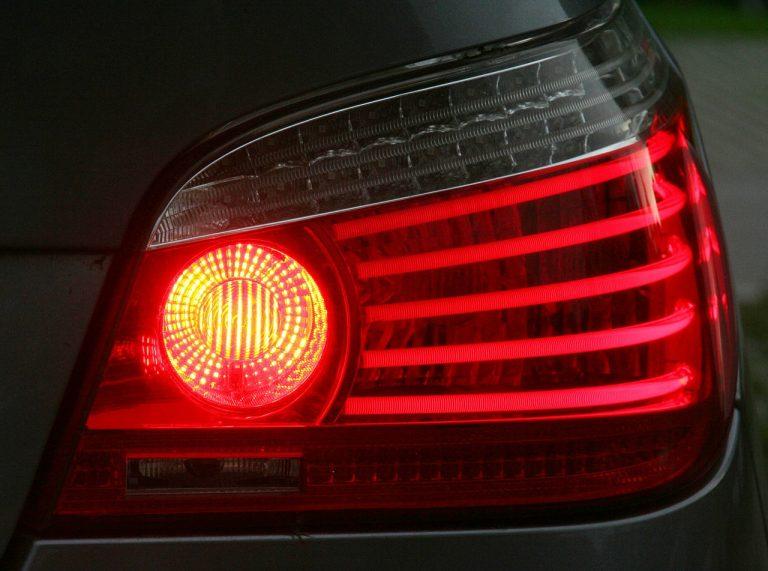 Luces de cruce de auto